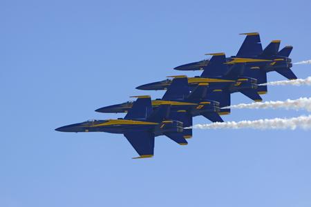 f18: Jet Blue Angels F-18 formation flying