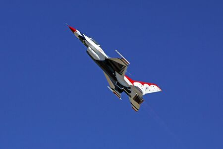 motor launch: Airplane F-016 Thunderbirds fight jet flying Editorial