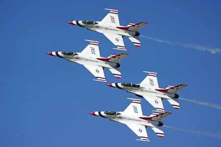 Airplane F-16 Thunderbirds fighter jets