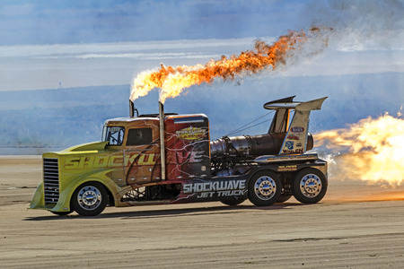 shockwave: Jet truck Shockwave drag race