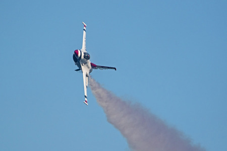 Airplane Thunderbirds F-16 jet fighter