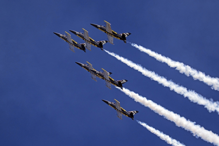 Airplanes jets Breitling Jet Team