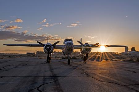 日の出飛行機ヴィンテージ第二次世界大戦 b-25 ミッチェル爆撃機