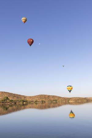 Balloon rides over California lake