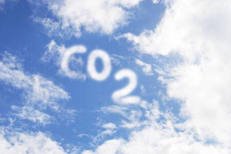 dioxido de carbono: Di�xido de Carbono s�mbolo en el cielo  Foto de archivo
