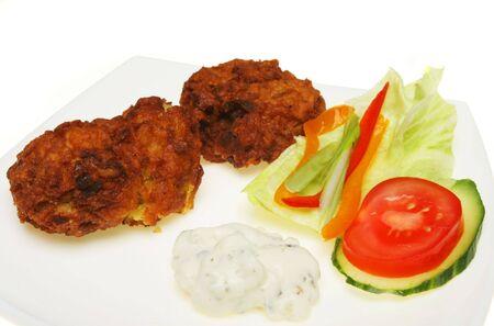 onion bhaji: Onion bhaji riata dip and salad garnish