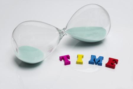 Hourglass, sand glass isolated on white background Standard-Bild - 114137503