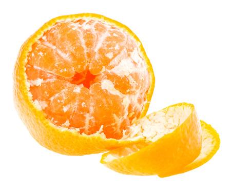 Gepelde Smakelijke zoete mandarijn sinaasappel, mandarijn fruit op witte achtergrond