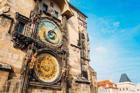 プラハの天文時計町市庁舎で 写真素材