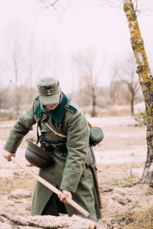 wehrmacht: Unidentified Re-enactor Dressed As A German Infantry Soldier Of Stock Photo