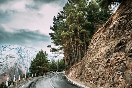 Stepantsminda, Georgia. New Beautiful Asphalt Mountains Road Lan Фото со стока