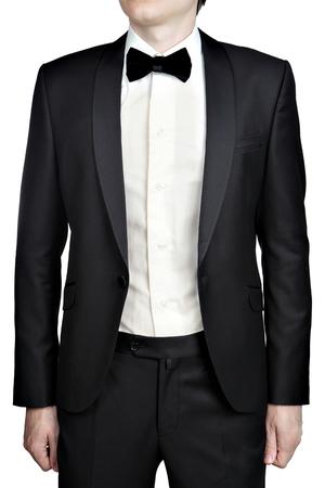 uomini di colore: Uomini Nero matrimonio giacca sbottonata, cravatta e camicia con farfalla isolato su sfondo bianco.