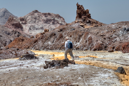 ホルムズ島自然、ホルモズガーン州、南部イラン オフ-殴らパス目的地、1 つの旅行は、塩のストリームのパスをたどります。 写真素材