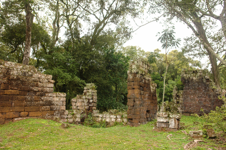 quenching: Jesuit ruins in Misiones Argentina