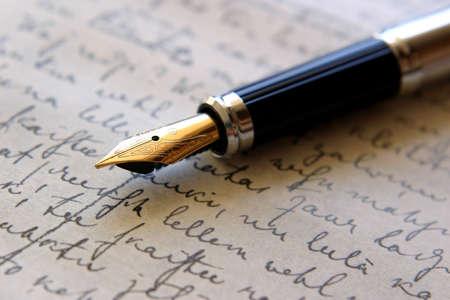 Pen op handgeschreven papier