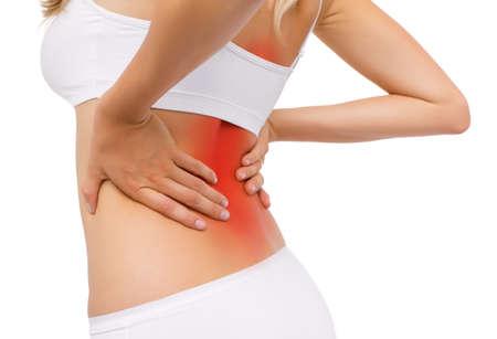 fisioterapia: Mujer que tiene dolor de espalda