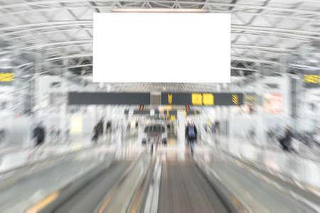 空港での空の広告看板 写真素材