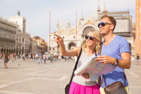 st  marks square: Tourists in Venice looking for directions