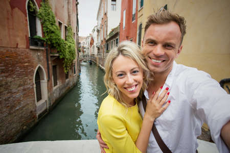 love pic: Couple taking selfie picture in Venice