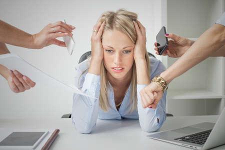 secretaria: Mujer de negocios deprimido