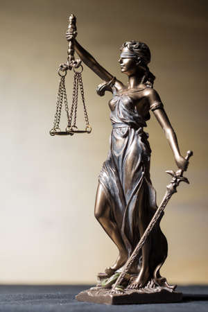 attorney scale: Vertical Themis figure