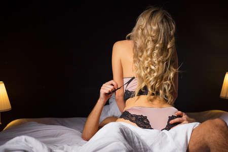 coppia fare sesso in camera da letto foto royalty free, immagini ... - Sesso In Camera Da Letto