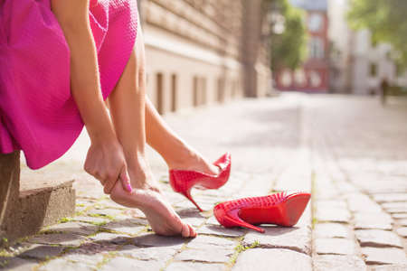 convulsion: Woman with injured ankle