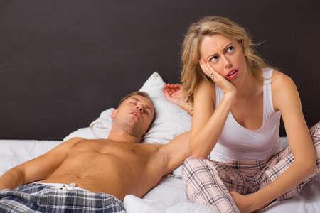 man and woman sex: Скучно женщина в постели