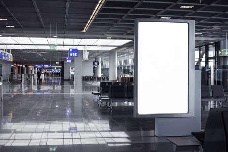 Leere Werberahmen in Flughafen Standard-Bild - 49750332