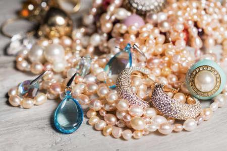 rubin: Female accessories on table