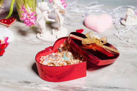 natural beauty: Heart shaped gift box for Valentines day
