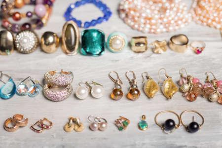 rubin: Different accessories for women