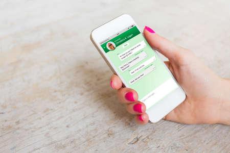Muestra de aplicación de mensajería en el teléfono inteligente