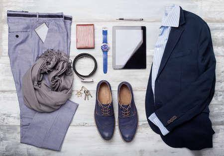 liggande: Uppsättning av människans mode och accessoarer Stockfoto