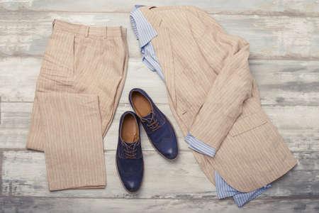 Heren overhemd, pak en schoenen