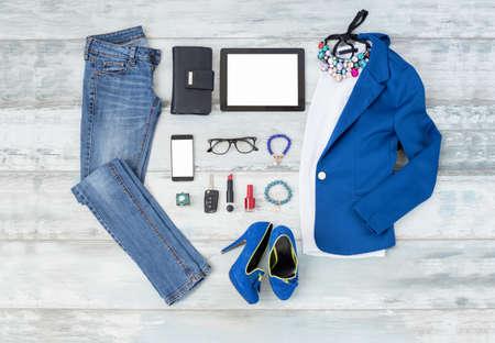 Casual en stijlvol choathing setup voor vrouwen Stockfoto