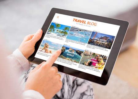 blog Voyage sur ordinateur tablette Banque d'images
