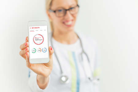 suggesting: Doctor suggesting to use health app