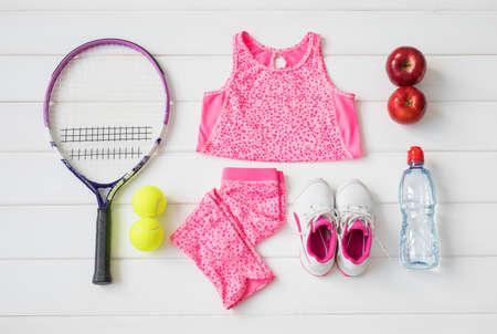Kleine Mädchen Sportgeräte Standard-Bild