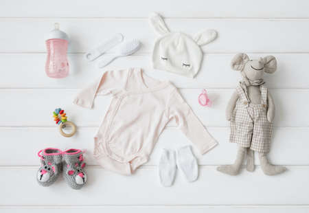 아기를위한 의류 및 항목의 집합