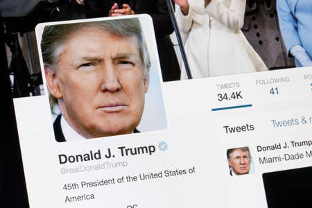 RIGA, LATVIA - February 02, 2017: President of United States of America Donald Trump Twitter  profile. 新聞圖片