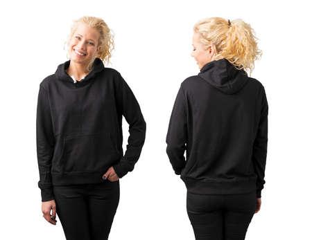 Vrouw in zwarte lege hoodie op witte achtergrond