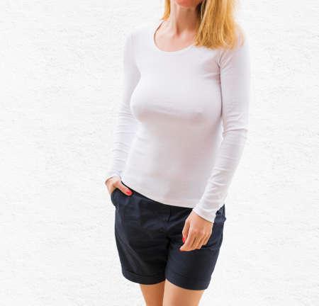 白い長袖シャツ テンプレート