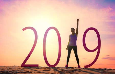 Woman celebrating new year 版權商用圖片 - 114444435