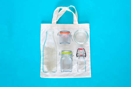 Cotton bag and glass kit for zero waste shopping Banco de Imagens