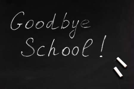 学校很告别。黑板和粉笔。学年结束。高中毕业。