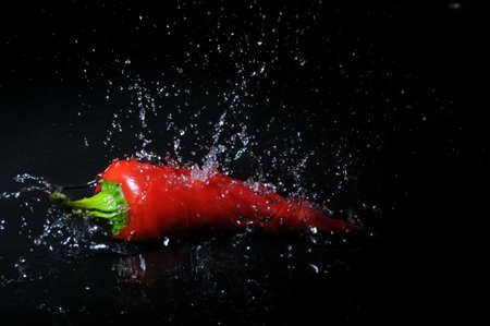 pepe nero: peperoncino rosso splash