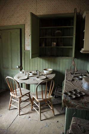 cocina vieja: ciudad fantasma de cocina  Foto de archivo