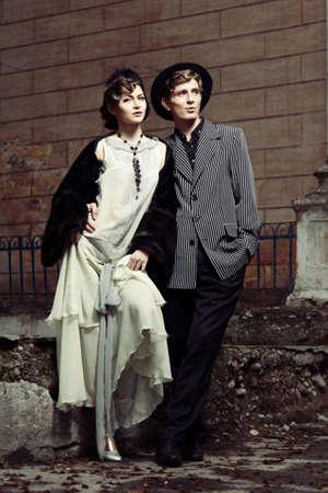denominado retro: Retro styled fashion portrait of a young couple.