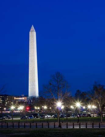 야간 워싱턴 기념탑